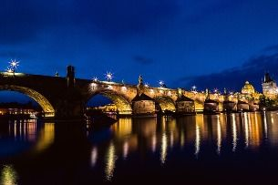 A must-see in Prague: the Charles Bridge at night!