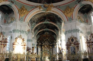 Take a walk in Prague – and admire the treasures of baroque architecture