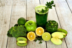 The secret of spring detoxication lies in healthy juices and smoothies